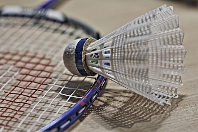 potřeby na badminton.jpg