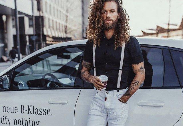 Muž, dlouhé vlasy, móda