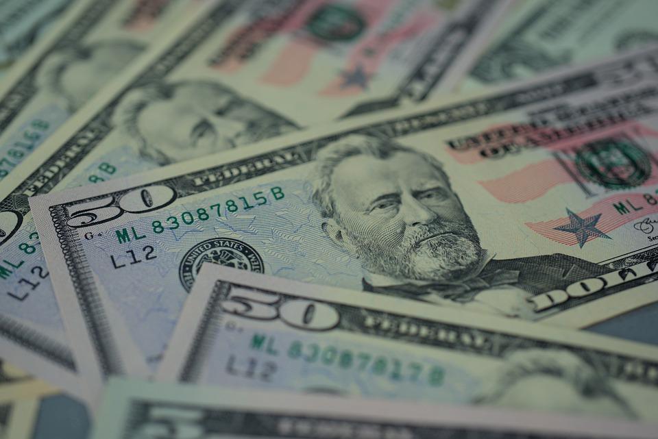 padesátky dolarů